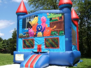 Big-Bounce-Rentals-Red-and-Blue-Castle-Backyardigans-Theme-1