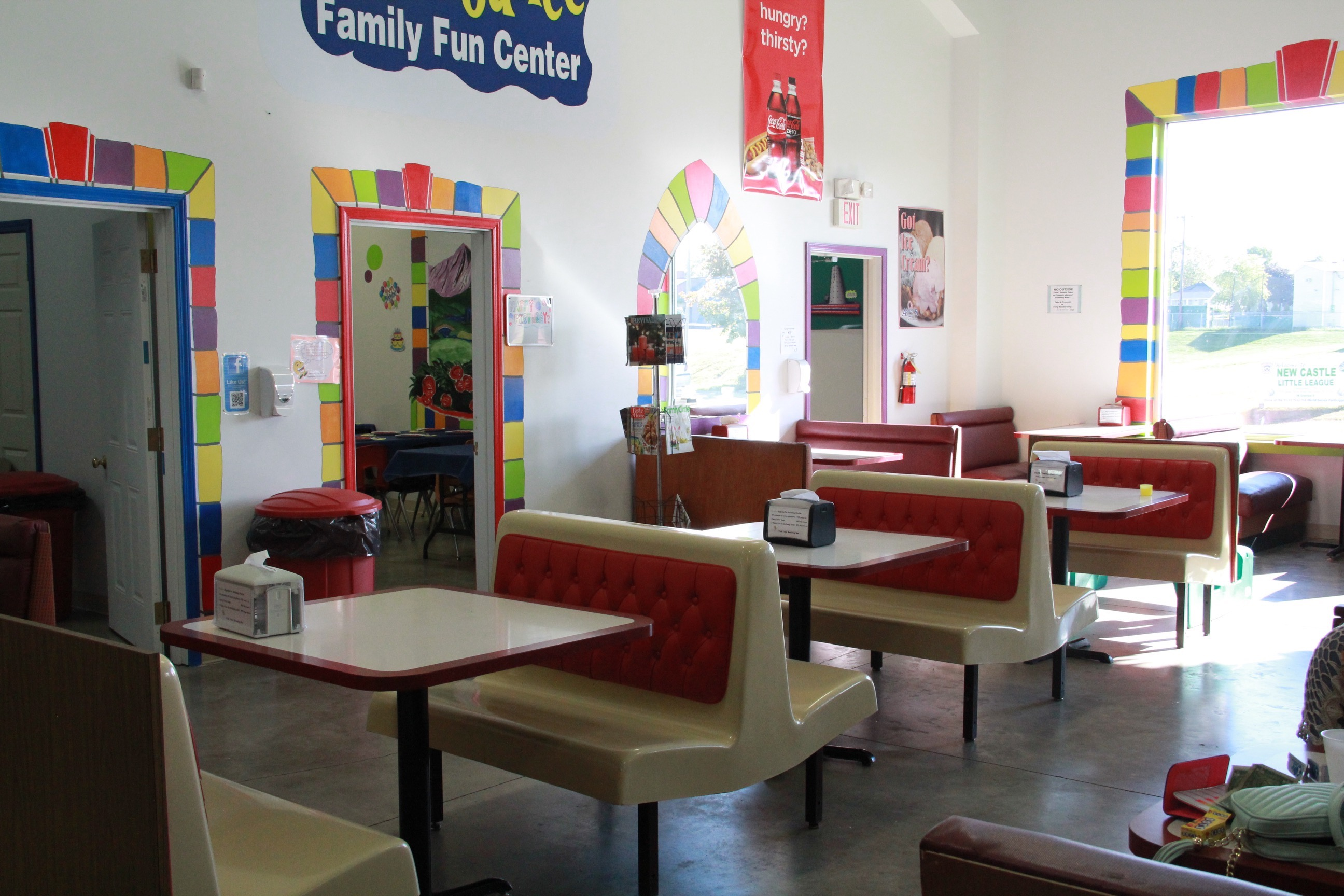 Big-Bouce-Fun-Center-Dining-Rushville-Indiana
