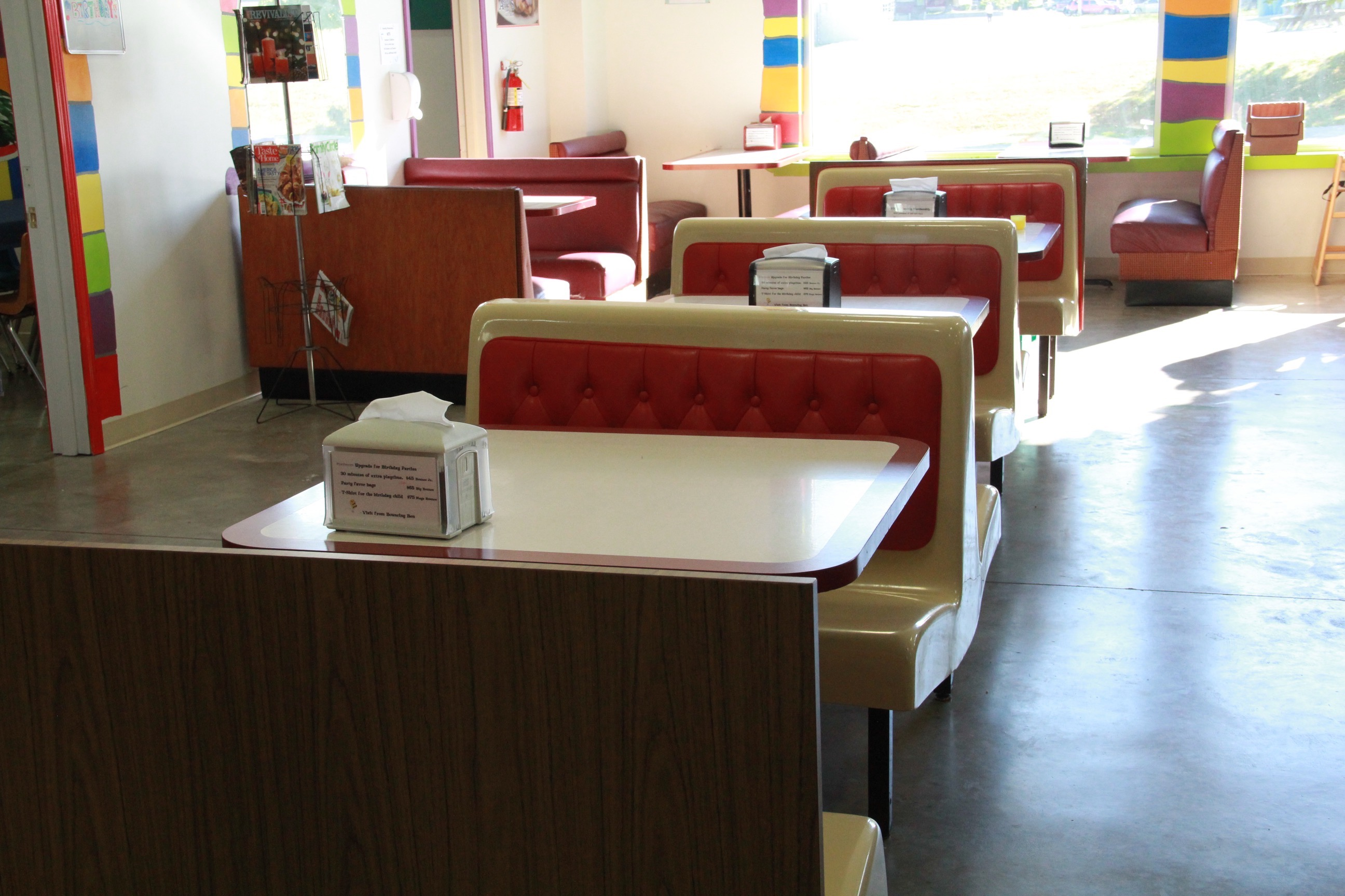 eat-in-dining-area-big-bounce-fun-center-new-castle-indiana