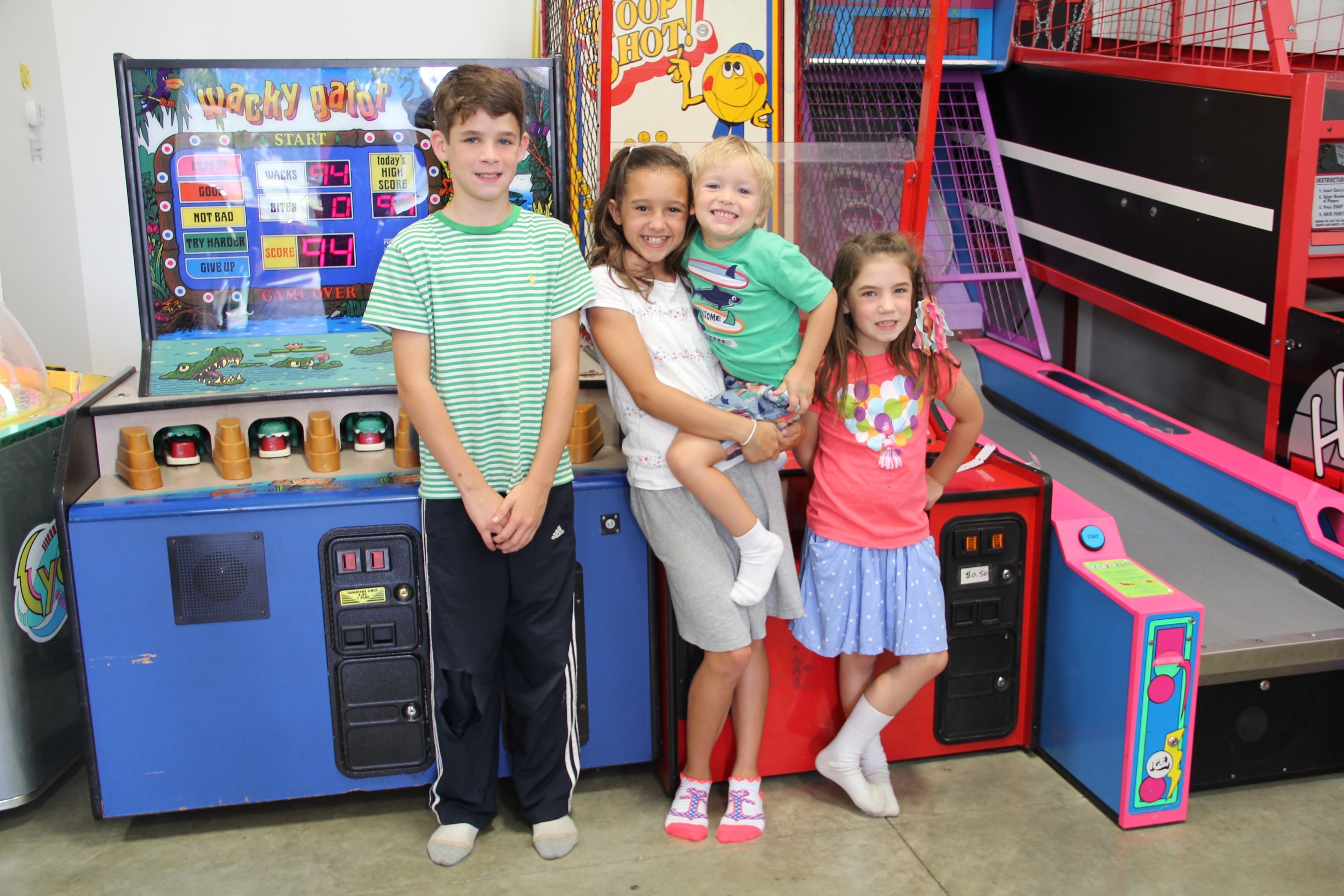 Big-Bounce-Arcade-games-family-time