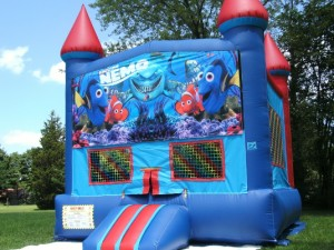 Big-Bounce-Rentals-Red-and-Blue-Castle-Finding-Nemo-Theme-1
