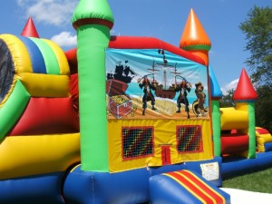 Big-Bounce-Rentals-Pirates-Theme-Rainbow-Combo-7