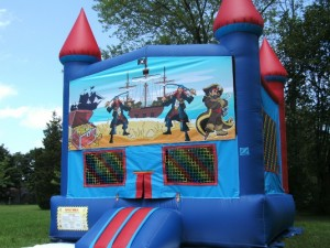 Big-Bounce-Rentals-Red-and-Blue-Castle-Pirates-Theme-1