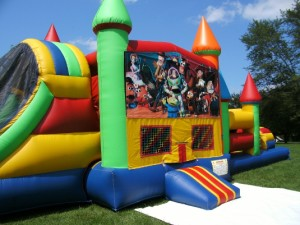 Big-Bounce-Rentals-Toy-Story-Theme-Rainbow-Combo-12
