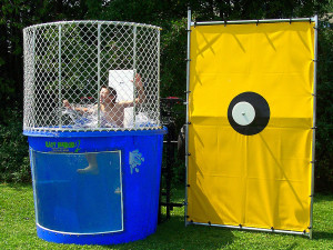 interactive-game-rentals-dunk-tank-2